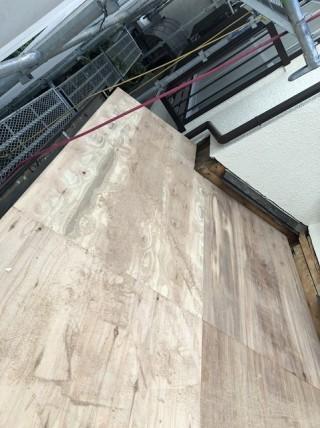 下屋の新しい野地板