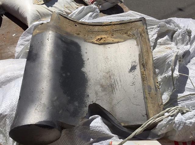 御所市の瓦屋根の割れた瓦の交換