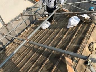 五條市の屋根瓦撤去