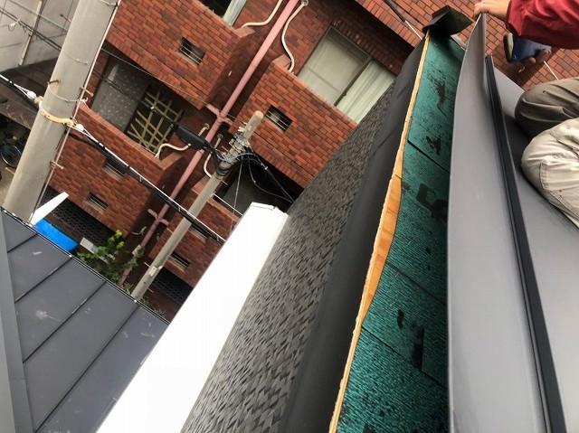 奈良市の台風被害の立平葺きの下葺き材確認