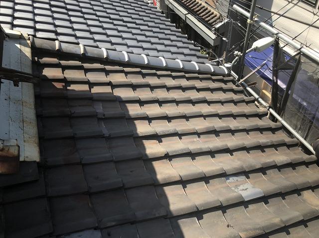 隣との境界部分の屋根