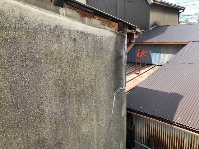 奈良市の外壁のひび割れ