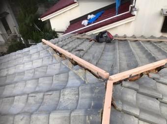 葛城市 雨漏り瓦屋根 棟芯設置