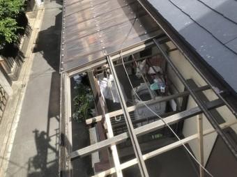 波板撤去後のベランダ屋根