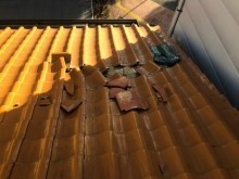 葛城市でオレンジ色の瓦の破損