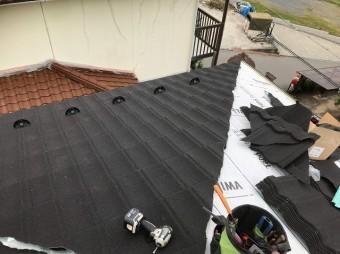 上牧町 和瓦屋根葺き替え 屋根材設置