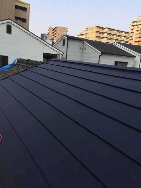 奈良市の屋根葺き替え工事でスーパーガルテクト設置