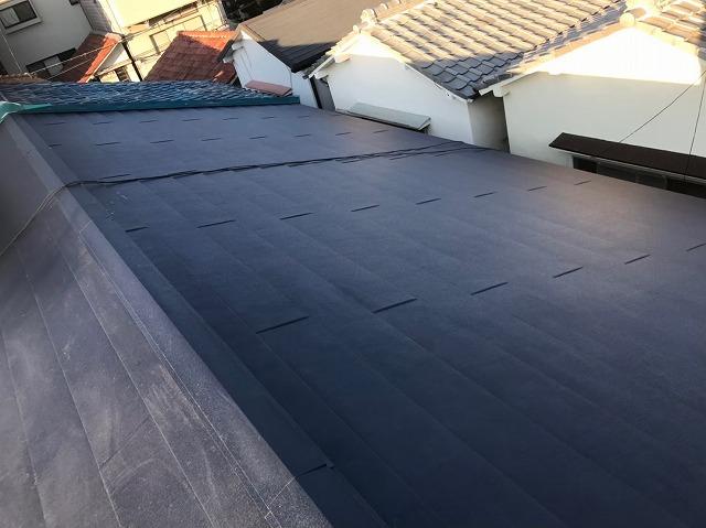 奈良市の長屋の屋根をガルテクトに葺き替え完成