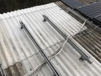 波型スレート交換後の屋根