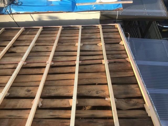 香芝市で補強垂木を設置