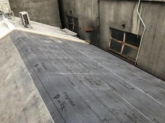 ルーフィングを設置した屋根