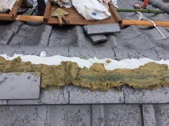 奈良市の葺き替え工事で湿式工法で棟瓦を設置