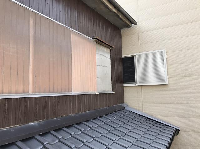 大和郡山市の外壁補修工事でリブ板設置