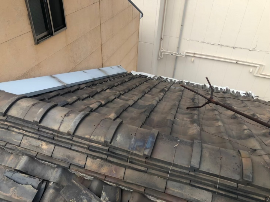 奈良市の粘土瓦屋根の大棟の点検