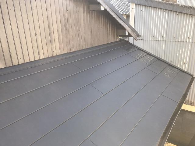 下屋根の葺き替え完成