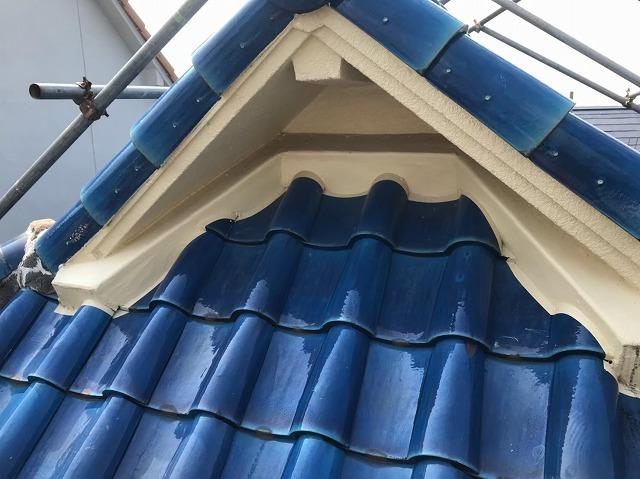 御所市の青色釉薬瓦屋根の施工前