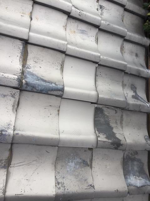 生駒市の破損した平瓦の差し替え補修