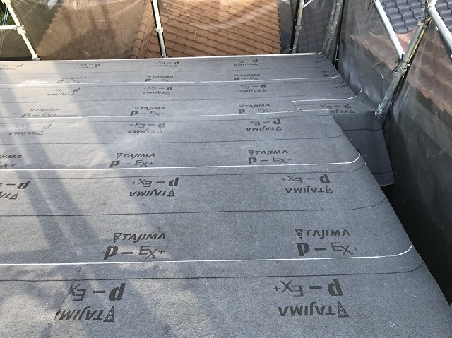 防水紙設置の屋根の様子