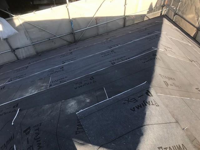 隅棟を覆う防水紙
