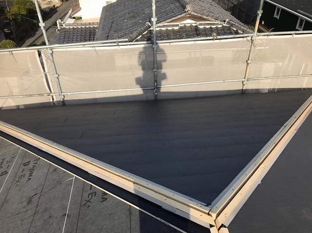 大屋根の棟板金設置前