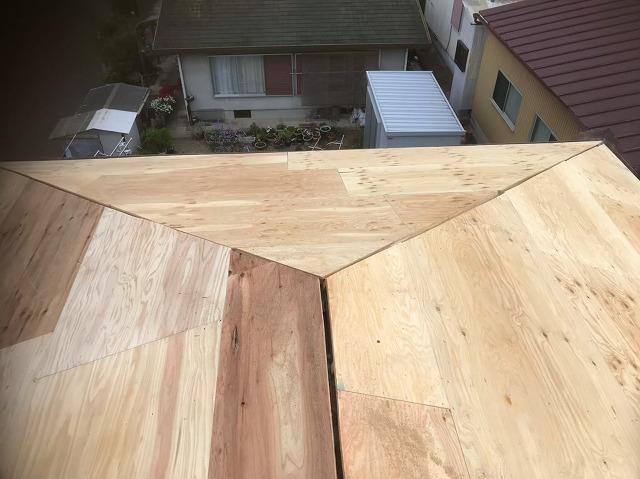 上牧町 和瓦屋根葺き替え 野地板設置