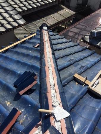 王寺町の隅棟の棟瓦取り直し工事