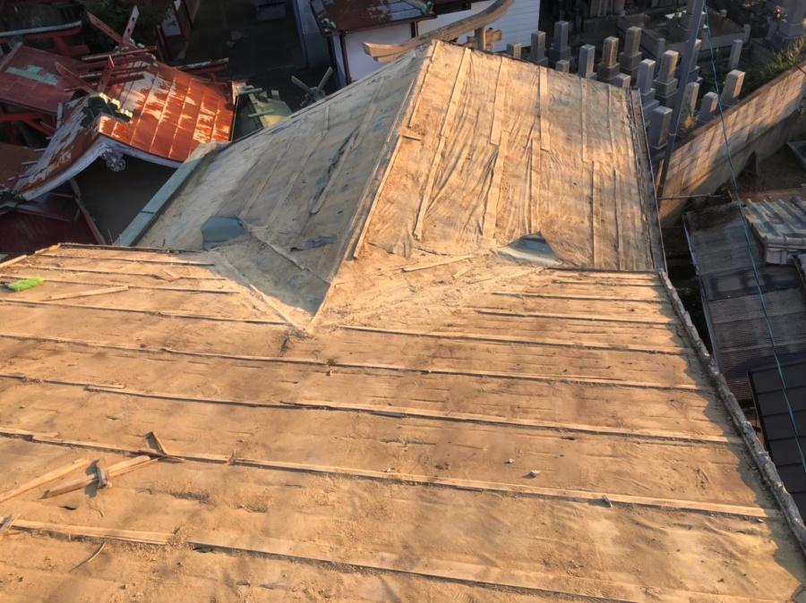 奈良市の老朽化した瓦屋根の瓦撤去
