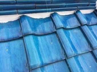香芝市 青色釉薬瓦屋根 漆喰詰め増し