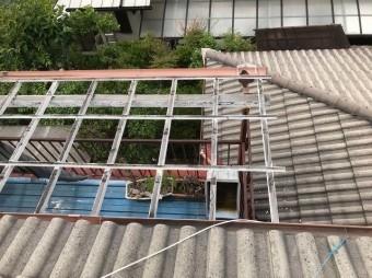 桜井市 モニエル瓦屋根 ベランダ波板 施工前