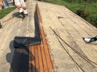 瓦の撤去と葺き土の下から野地板