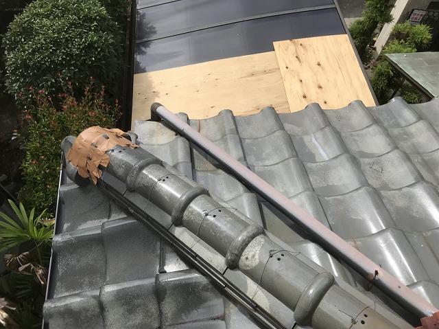 生駒市の雨樋工事施工前の様子