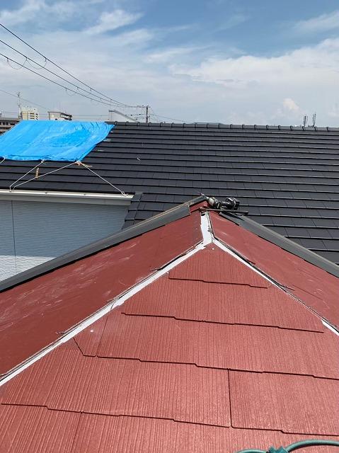 朱色のカラーベスト大屋根