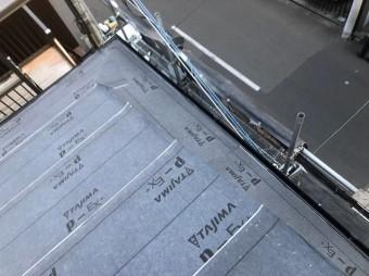 奈良市の雨漏り修理で防水紙、水切り板金を設置