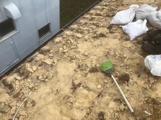 葛城市 釉薬瓦 瓦の解体作業