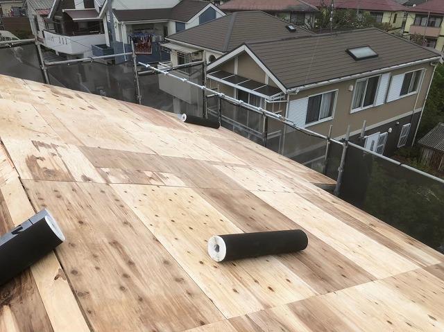 野地板増し張りと防水紙準備