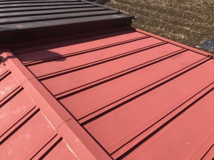 工事前のトタン葺きの屋根