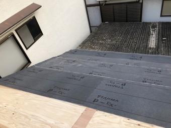 奈良市で屋根に防水紙を設置
