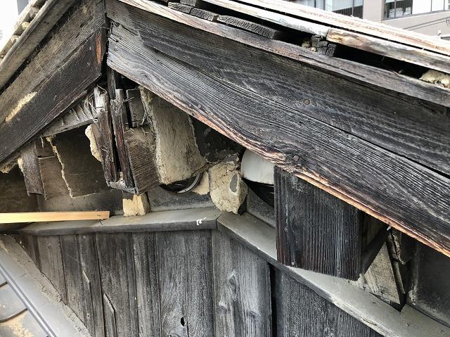奈良市の傷んだ破風板