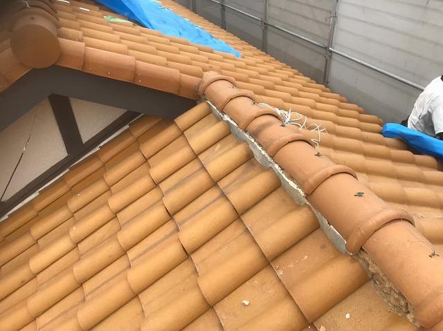 斑鳩町の変形型切り妻屋根