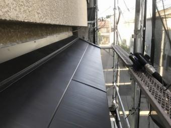 生駒市の庇をカバー工法