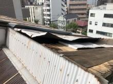工場の屋根の葺きなおし
