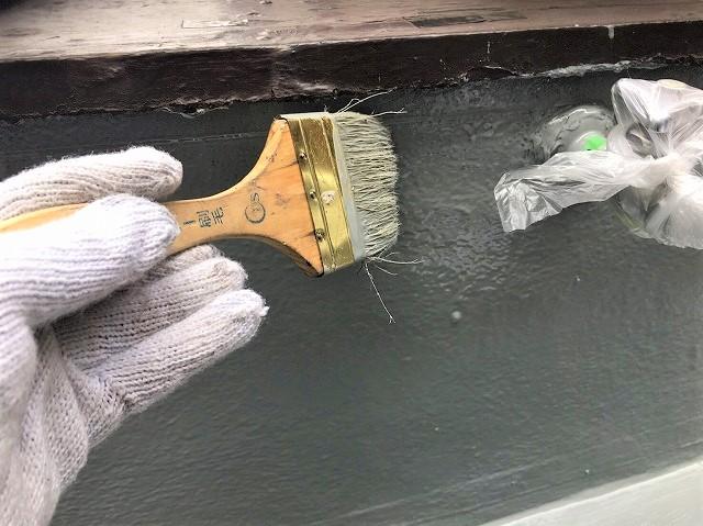 奈良市のベランダの防水工事でアクリル防水、立ち上がり部分