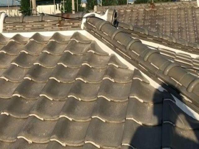 橿原市で大屋根の漆喰詰め直し完成
