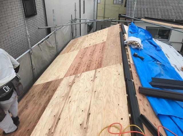 野地板の増し張り左側