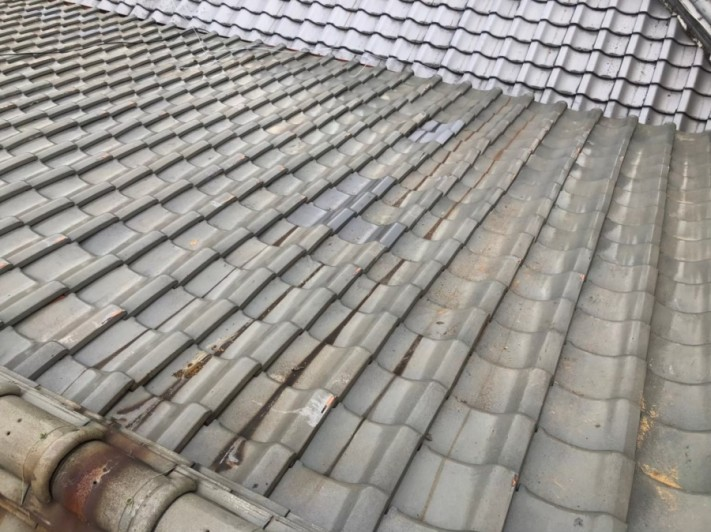 天理市 釉薬瓦屋根 施工後