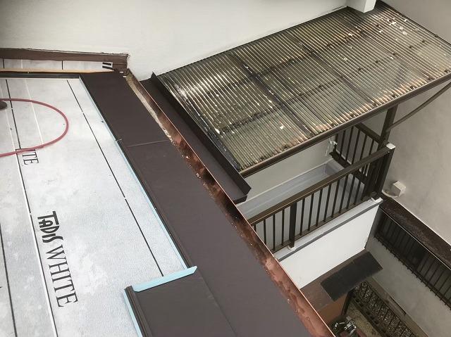 下屋部分のガルテクトの設置