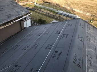 大和郡山市で屋根の防水紙設置