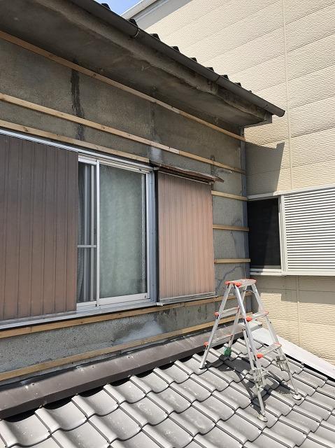 大和郡山市のひび割れた外壁に胴縁設置