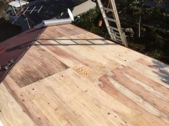 下屋根野地板設置